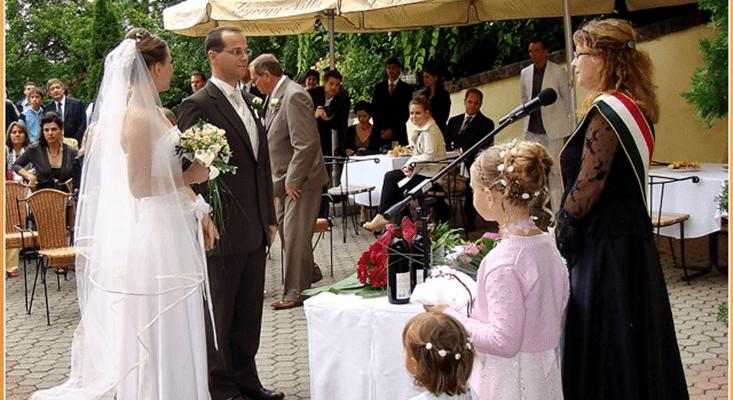Esküvőiceremónia hangosítását is vállaljuk.